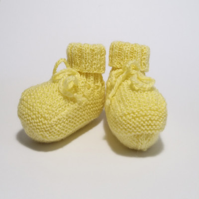 Yellow classic baby shoes
